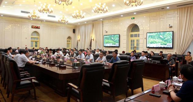 魏增军与30多位公民代表座谈交流